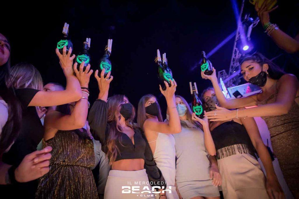 [copertina]-beach-club-mercoledi-emotion-discoteca-estate-2021